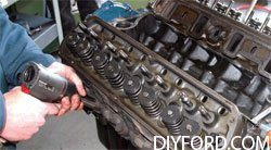 [Small-Block Ford Ultimate Disassembly Guide]08