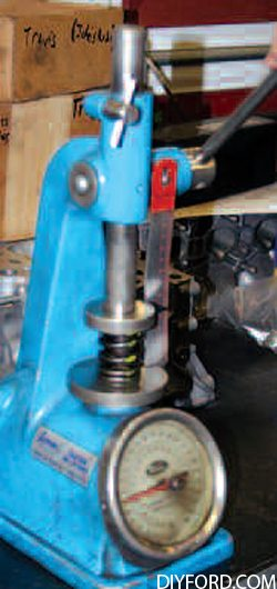 Ford Big-Block Guide: How to Refurbish the Cylinder Heads Step by Step 12