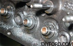 [How to Machine Small-Block Ford Heads: Step by Step]16
