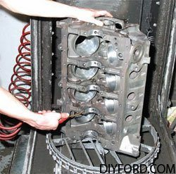 [Rebuilding the Small-Block Ford: Machining the Block Step by Step]28
