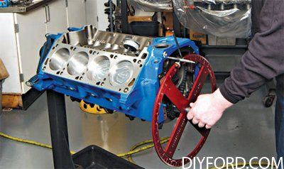 How to Build a 500 Horsepower Ford 351 Cleveland Engine 4