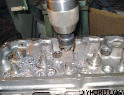 Ford Big-Blocks: The Ultimate Cleveland 335 Series Engine Guide 8