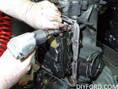 How to Disassemble Ford C4 and C6 Transmissions: Step by Step 01