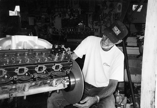Fred Christian of MCE Engines degrees a small-block Ford. Like the distributor curving just mentioned, degreeing in a camshaft does the same thing. It determines accuracy. Degreeing in a camshaft gets everything in synch. Fred's area of expertise is fabrication and hydraulics. He is an aircraft maintenance technician with Continental Airlines.