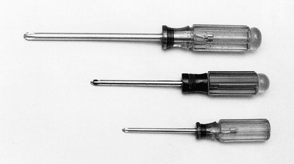 We recommend a sizable screwdriver set to handle a variety of tasks. Sears Craftsman offers a variety of screwdriver sets to help get you started. When shopping for screwdrivers, see how the screwdriver handle feels in your hand. Does it feel good? Is it easy to turn?
