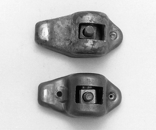 Cleveland (351) and Modified/Midland (351/400) engines have bolt-fulcrum style rocker arms that are not adjustable. The exception is 1971 Boss 351 and 1972 351 High Output, which have adjustable rocker arms mounted on screw-in studs (mechanical lifters).