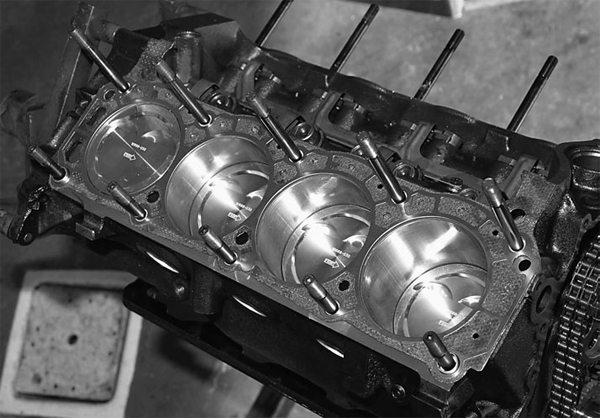 We're using a SCE composition head gasket on our 347 Street Fighter. This gasket, coupled with a studded block, ensures cylinder leakage security.