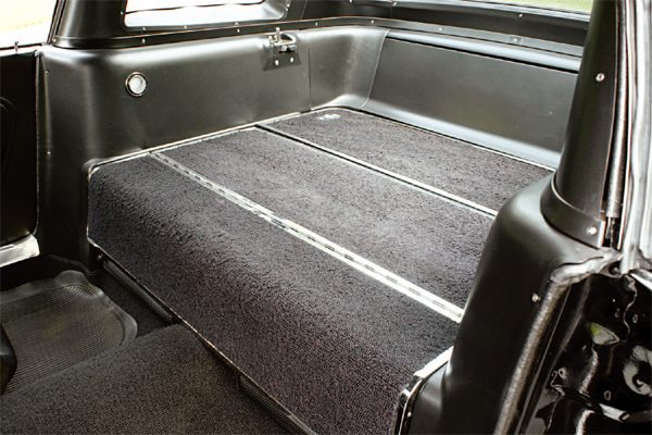 The four-seat passenger capacity of the 1966 GT350 proved to be extremely popular, and as a result, only 100 or so 1966 cars were built as true two-seaters. The rear seat, when erected, was reasonably comfortable and when folded flat, provided a luggage area, just like the rear deck in the 1966 two-seat cars.
