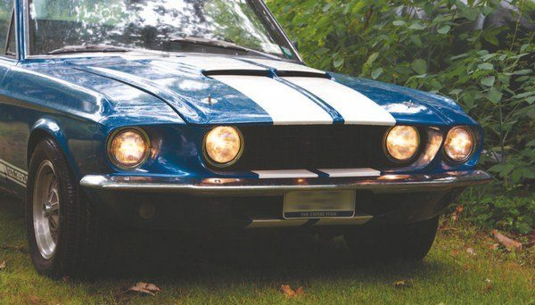 Although moving the high-beam headlights to the outboard location somewhat reduced the 1967 Shelby's unique image, it also reduced complaints about too-close-together headlights from some states' motor vehicle departments.