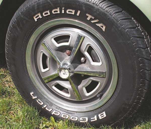 As a cost-saving measure, the 1967 Shelby dispensed with actual mag-type wheels as standard equipment (as used in 1966) and instead substituted Ford Thunderbird wheel covers, which were designed to mimic real mag wheels. The first year the Shelby Mustang utilized a wheel cover over a plain black wheel as the standard wheel dress was 1967.
