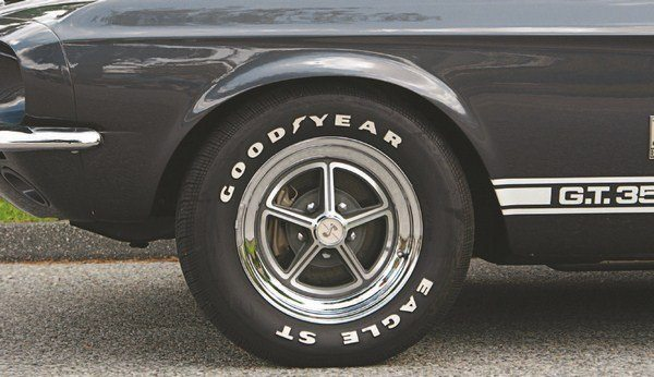 The Kelsey-Hayes Mag-Star 15-inch wheel was chosen as one of the the optional dressup wheels for the 1967 Shelby right from the start (being used on the prototype GT500). It consisted of an aluminum center riveted to a chromed-steel rim and was similar in appearance to the chrome Magnum 500 used on the 1966 Hertz cars.
