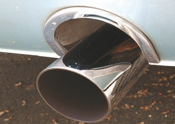 The Cougar exhaust-pipe cutout trim consisted of an aluminum ring, and can be identified by the lack of an external attaching screw. These trim rings are semicircular and do not have to be cut in half for the 1967 Shelby application. Chronologically, the Cougar trim rings followed the halved Mustang GT parts but with the Shelbys not being built in strict serial number order, some cars with higher serial numbers have been found with the GT rings.