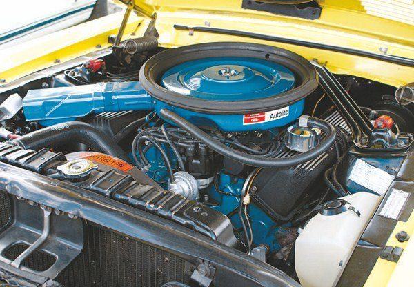 The GT500 KR was powered by Ford's new Cobra Jet 428, which replaced the GT500's Police Interceptor engine. The air cleaner was designed to seal against an under-hood plenum (via an air-cleaner-mounted rubber gasket), which provided ram air to the V-8.