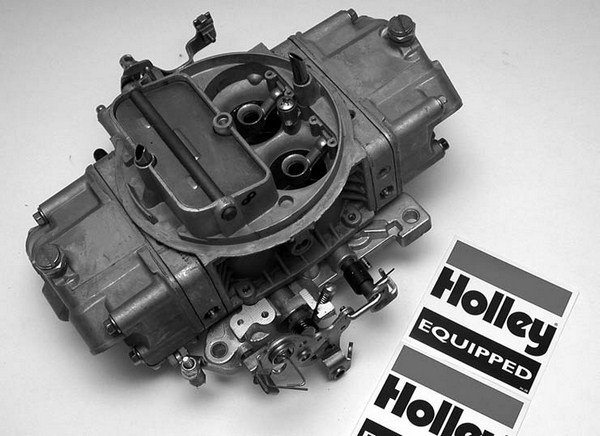 Also included in the build was the correct specification Holley HLYO-80674 650-cfm four-barrel carburetor.