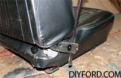 [Mustang Restoration Seat Reupholstery Guide - Step by Step] 2