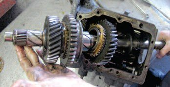 How to Disassemble the Manual Transmission in a Mustang – Step by Step