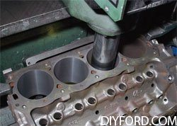 [Rebuilding the Small-Block Ford: Machining the Block Step by Step]013