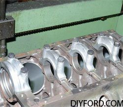 [Rebuilding the Small-Block Ford: Machining the Block Step by Step]02