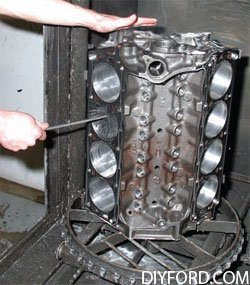 [Rebuilding the Small-Block Ford: Machining the Block Step by Step]027