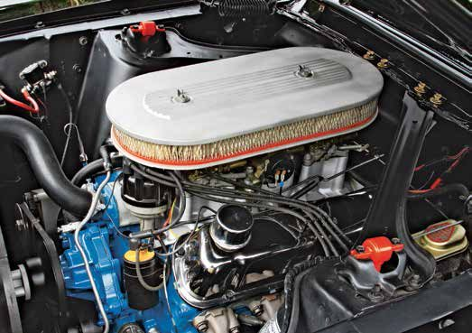 This 1967 289 High Performance V-8 has a chrome flat-top pent-roof valve-cover. Although this valvecover was designed for the rail-style rocker arm, the 289 High Performance V-8 was never fitted with rail-style rocker arms.