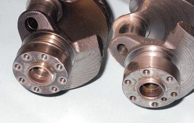 There are two basic crankshaft bolt patterns: sixand eight-bolt. Expect to see the eight-bolt pattern on most Windsor engines, along with some high-performance Cobra applications. Steel crankshafts were used in DOHC/Cobra engines since 1996, plus the manual-transmission 2003–2004 Mach 1, F-150 Lightning, 2007–up Shelby GT500, and Ford GT.