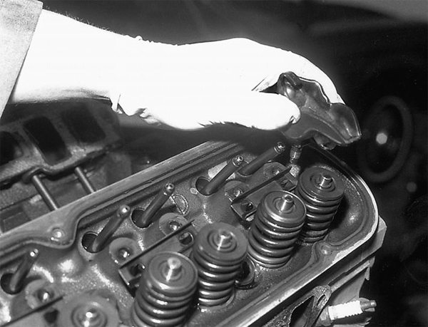 Once you have removed the intake manifold and valve covers, both easy tasks, remove the rocker arms and pushrods. Small-block Fords have three basic kinds of rocker arm types. See the accompanying table. If you are going to reuse the rocker arms and valves, keep each rocker arm and valve in the same location.