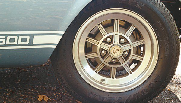 Later in the model year, a second optional wheel became available. This was the castaluminum Shelby 10-spoke design, similar to the 14-inch 10-spoke of the year before. This wheel became the sole optional wheel for 1968.