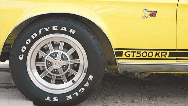 For 1968, the Shelby aluminum 10-spoke returned as an optional wheel, but, unlike in 1967, it was the sole optional wheel. Dimensionally and geometrically identical to the 1967 10-spoke on the outside, the 1968 edition was machined differently on the inside to clear the new, single-piston brake caliper. Center caps and decals were the same as on the 1967 wheels. Only a half dozen 1968s left A.O. Smith rolling on 10 spokes. Black was a stripe color used only on the 144 special yellow GT350s and GT500 KRs (no GT500s were painted yellow, the type having been replaced by the GT500 KR before yellow became available).