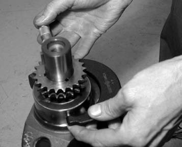 12. One of the final steps in preassembly is checking the bearing crush (inner and outer bearing-to-crank diameter). It registered a measurement of 3.002 inches on the main bearings, and a measurement of 2.999 inches on the main journals.