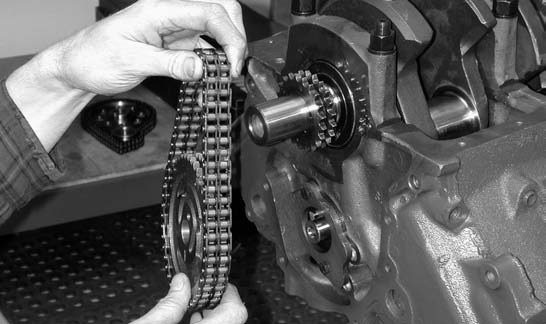 18. At this point, our installer bolts up the Elgin-Cloyes Tru- Roller multiple index timing chain and torques the 3⁄8-inch timing chain bolt to 35 ft-lbs.