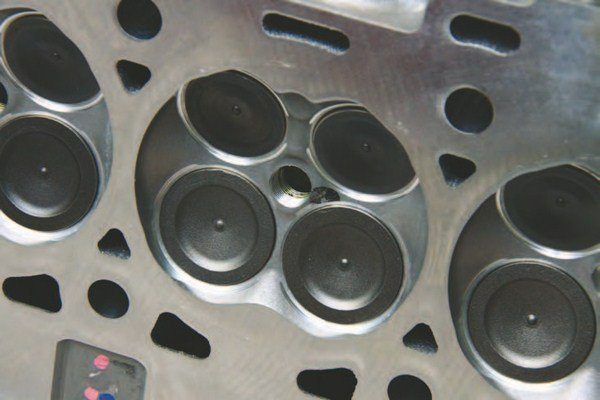 Here's the revised 2015–2016 57-cc chamber with larger 37.7-mm (1.485-inch) intake valves and 31.7-mm (1.248-inch) exhaust valves. This is the as-cast factory chamber, which has not been CNC machined.