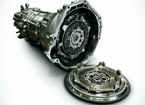 FORD MODULAR SWAP GUIDE: Transmission and Drivetrain - DIY Ford